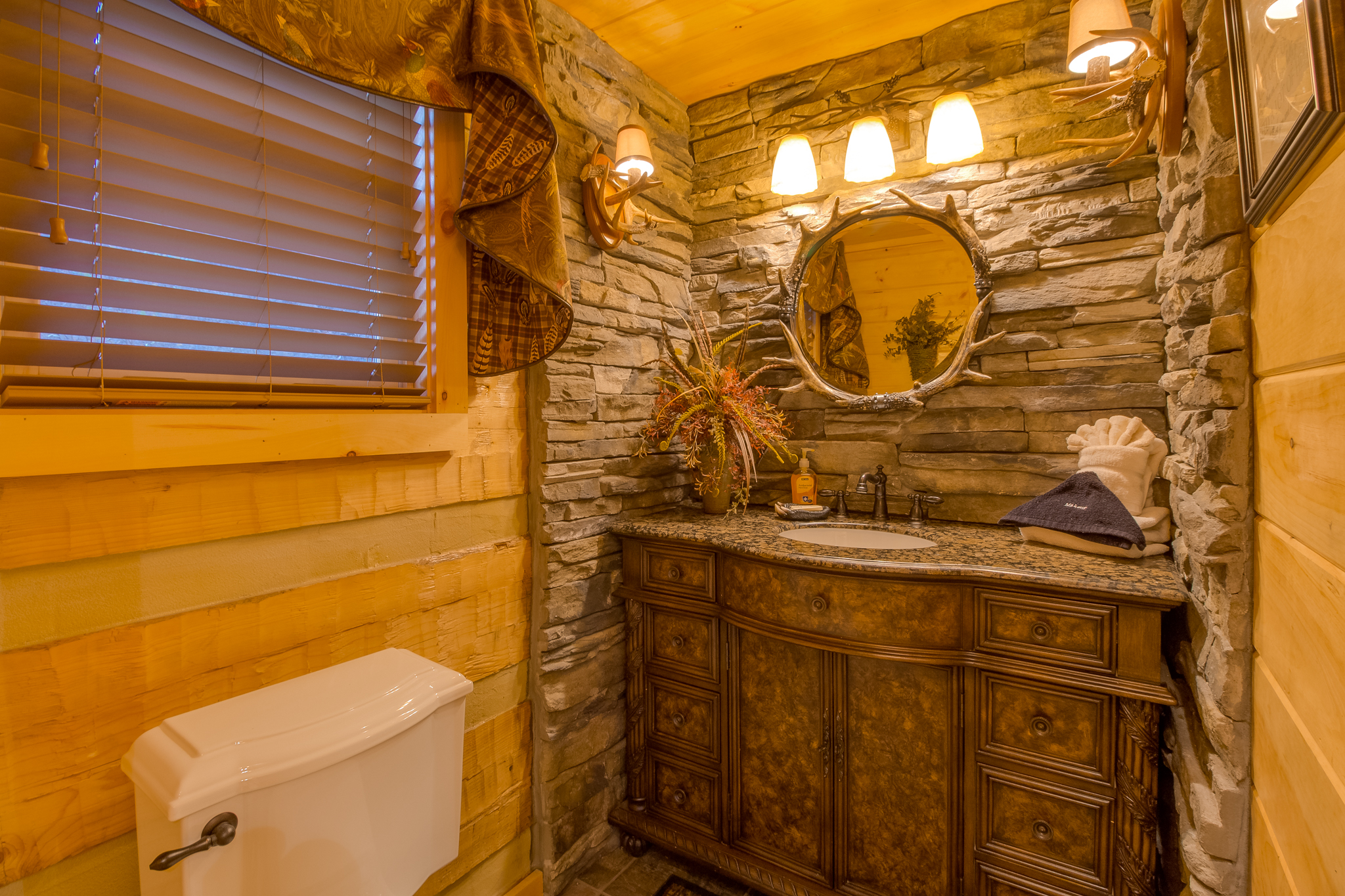 gatlinburg cabins gatlburg tn pigeon tennessee interior mountains smoky cheap in hotels forge pet friendly